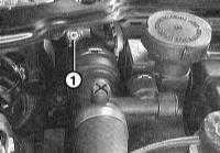5.1.8 Wymontowanie i zamontowanie chłodnicy BMW 3 (E46)