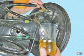 Замена тормозной жидкости хендай своими руками